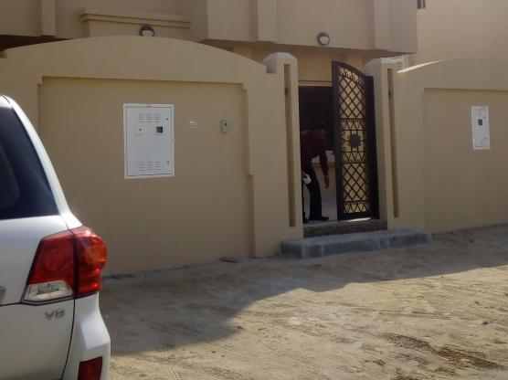 5BHK SPACIOUS & BEAUTIFULL VILLA AVAILABLE FOR